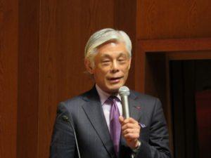 講演する前文化庁長官 近藤誠一氏