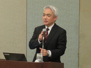 講演する山形労働局長庭山佳宏氏