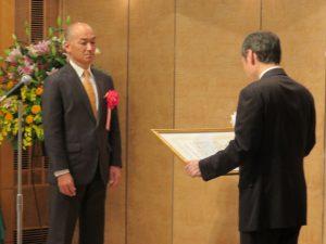 県知事賞を受賞した認定こども園めごたま井上亘園長