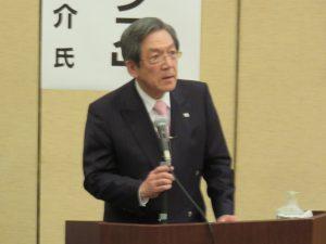 講演する経済同友会副代表幹事 横尾敬介氏