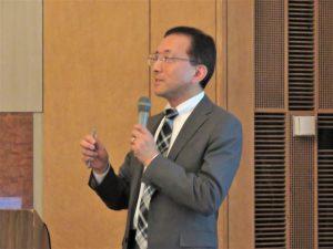 講演する山形大学理工学研究科 田中陽一郎教授