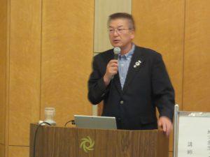 講演するきらりよしじまネットワーク 高橋由和事務局長