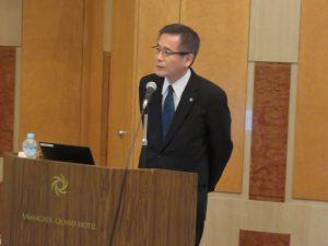 講演する日本総合研究所の松岡斉理事長